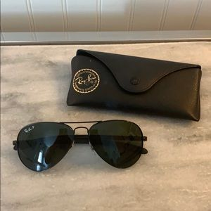 Black Ray Ban Aviators
